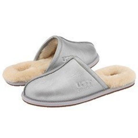 UGG pearle metallic silver slipper. M 5a56331650687ca7f200905a 30de2d922